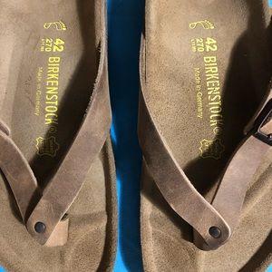 NWT Adria Birkenstock Thong Flip Flops ..Sz 42W11 NWT